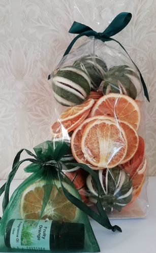 Festive Dried Oranges gift pack with fragrance oil