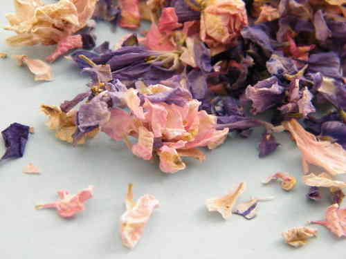 Delphinium petals dried, throwing quality mixed