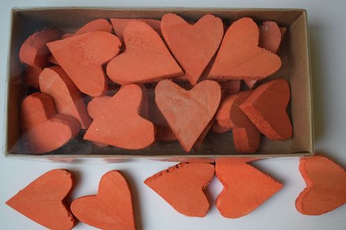 Chunky wooden heart red