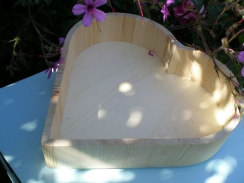 Wooden heart tray empty