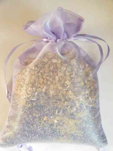 Lavender & chamomile pillow