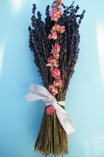 Dried flower bunch lavender with delphinium (2 weeks)