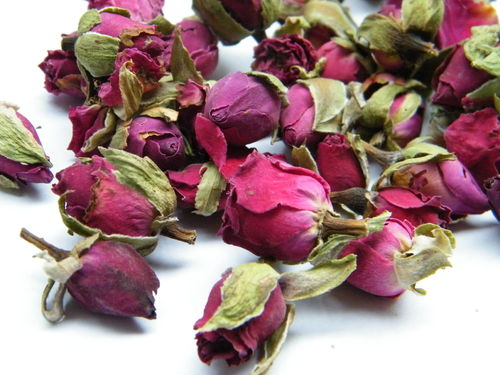 Dried rose buds dark pink