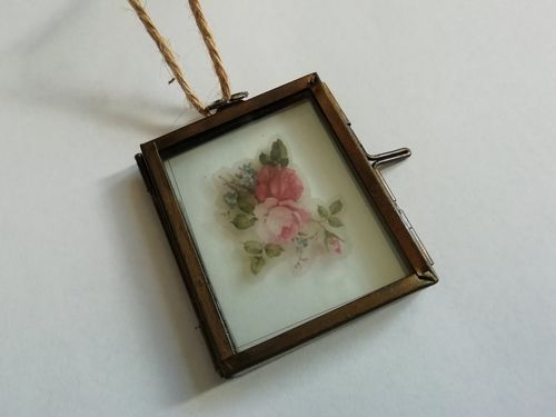 Mini hanging pressed flower frame empty, antique brass colour