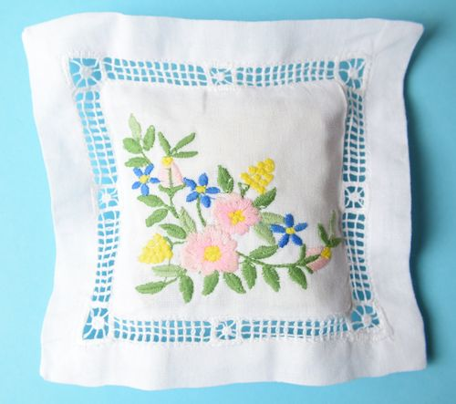 Lemon verbena scented cushion 15cm embroidered