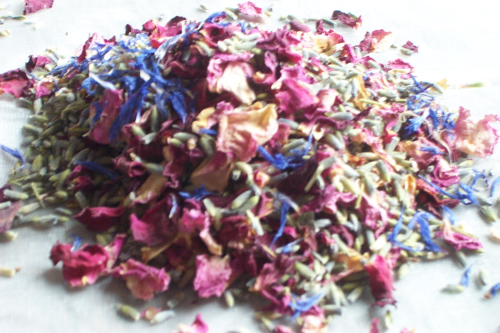 Cornflower mix confetti petals wholesale packs