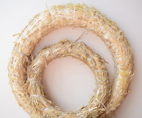 Natural straw wreath base choice of sizes