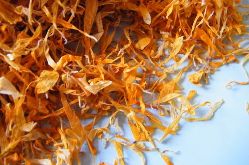 Marigold dried flower petals for confetti - litre